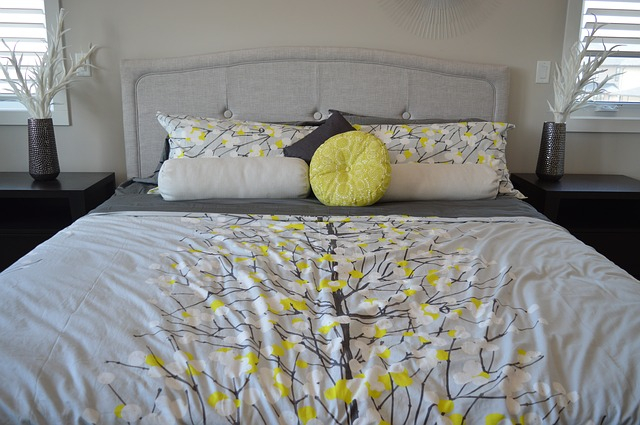 bed-1575460_640